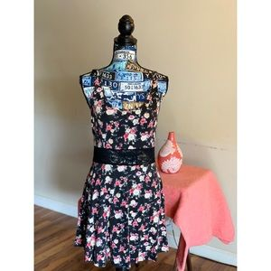 F21 floral dress with lace design